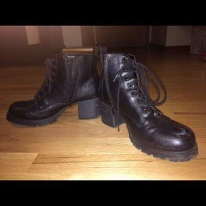 🌿Lace up lug combat platform motorcycle boots